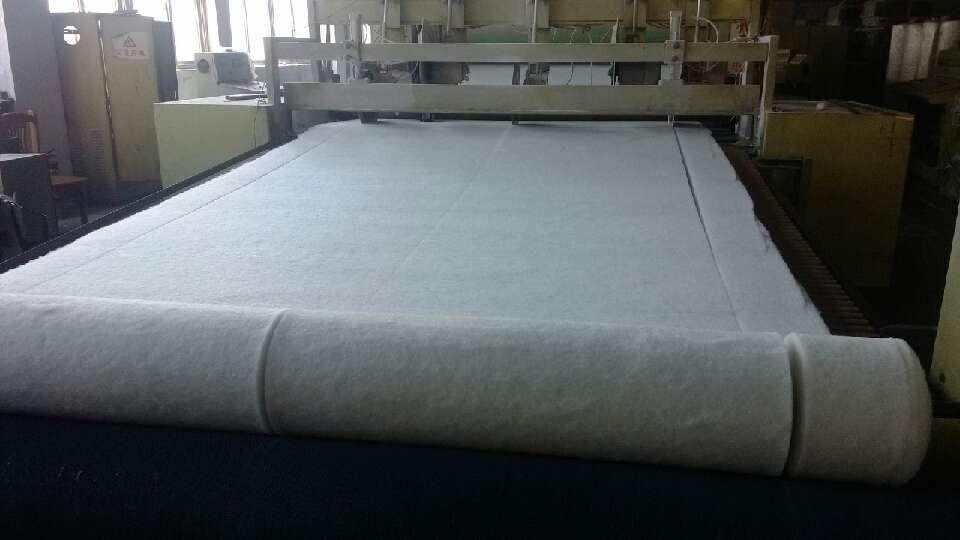 吸音棉生产中2.jpg
